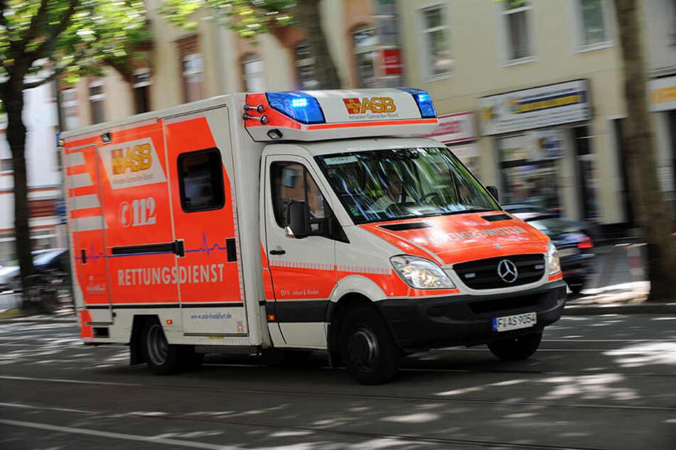 Die Rettungskräfte ahnten nicht, wie gefährlich der Einsatz in Reudnitz werden würde. (Symbolbild)
