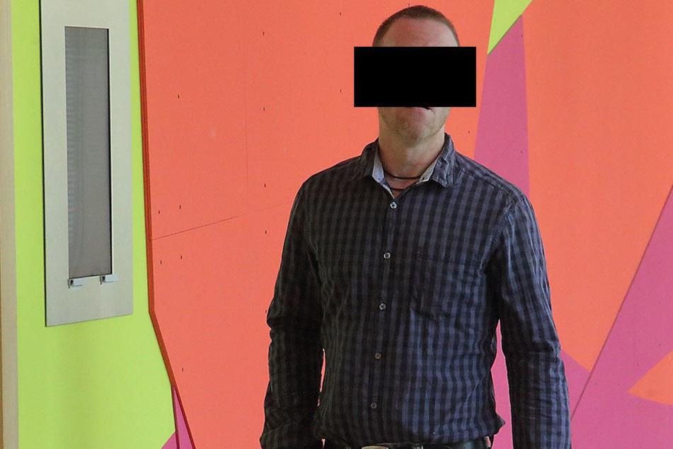 """Koch Mike S. (42) wurde beim Job-Center """"angeschwärzt"""" und musste vor den Richter."""