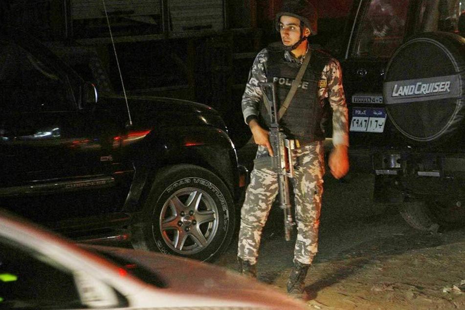 Ägyptischen Polizisten haben nach eigenen Angaben 40 Terroristen getötet (Symbolbild).