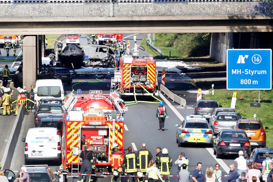 Der Unfall sorgte für erhebliche Verkehrsbehinderungen.