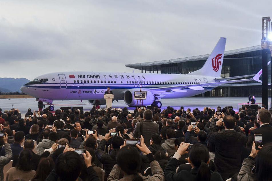 Am 15. Dezember 2018 wird eine Boeing 737 Max an Air China ausgeliefert.