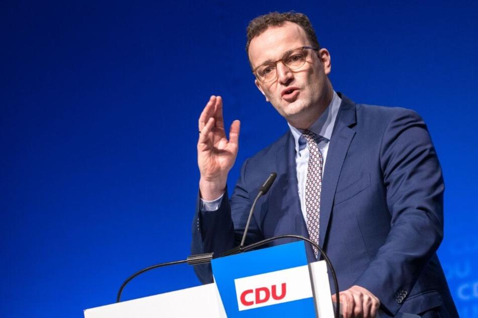 Jens Spahn (CDU), Bundesminister für Gesundheit, spricht auf dem Landesparteitag.