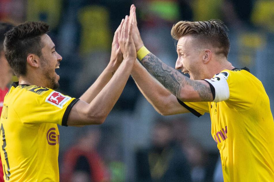 Kapitän Marco Reus freut sich auch über die Verlängerung des 25-Jährigen.