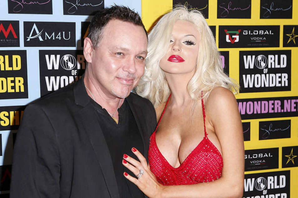 "Doug Hutchison (57, ""The Green Mile"") und Courtney Stodden (22) heirateten als sie 16 Jahre alt war."