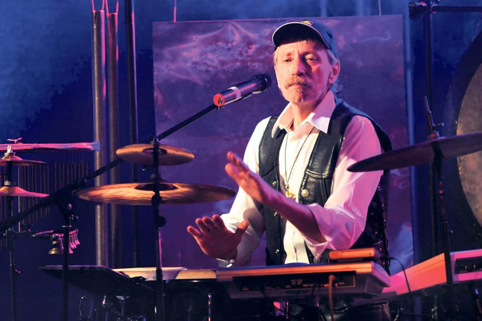 Norbert Jäger (†71) hier bei einem Auftritt der Band 2009. In der Nacht zum  Samstag ist er gestorben.