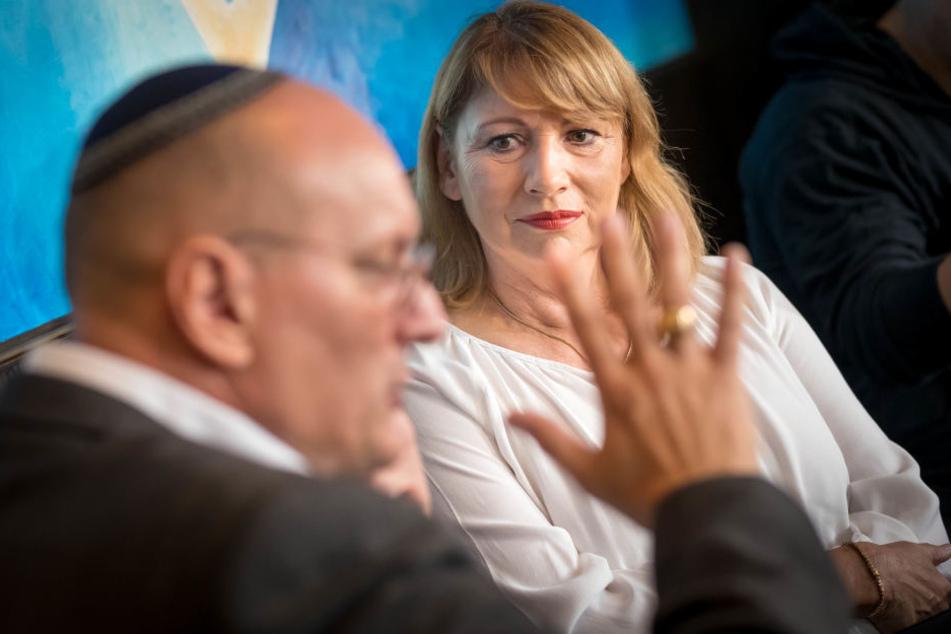 """In einem Gespräch forderte """"Schalom""""-Chef Dziuballa mehr Einsatz von der Politik. Petra Köpping versprach mehr Unterstützung."""