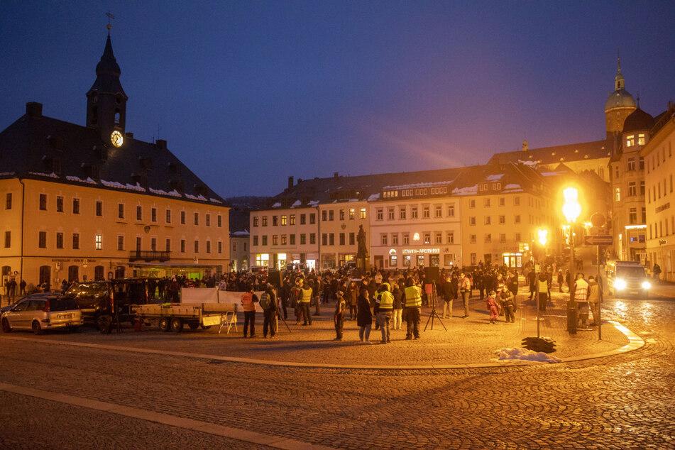 Die Versammlung am Montagabend in Annaberg-Buchholz verlief angespannt, blieb aber ruhig