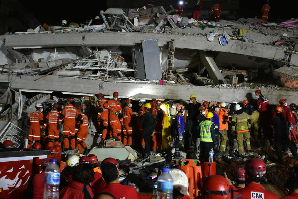 Some buildings have collapsed as a magnitude 6.8 temblor struck the country's in western Turkish city.