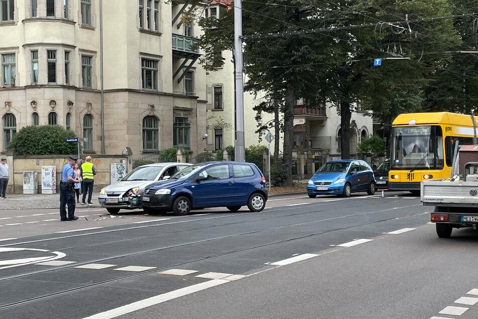 Der Verkehr wurde an der Unfallstelle vorbeigeleitet. Es staute sich dennoch zum Fetscherplatz hin.