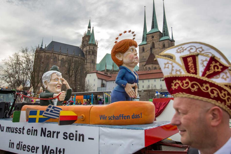 Thomas Kemmerich (re.) 2016 beim Karnevalsumzug in Erfurt.