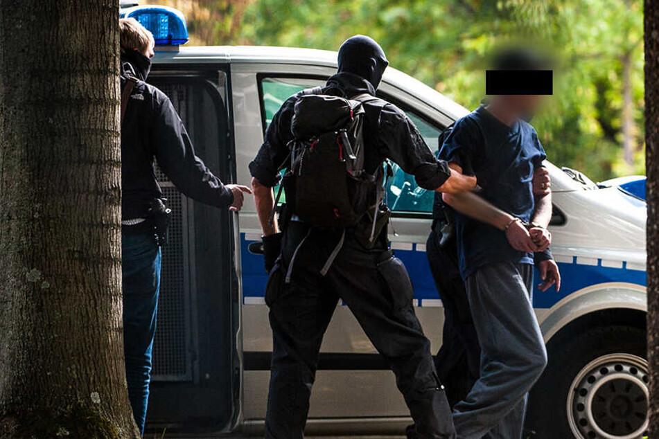 Insgesamt sechs Verdächtige wurden Anfang Oktober festgenommen, ein mutmaßliches Mitglied saß bereits in U-Haft.
