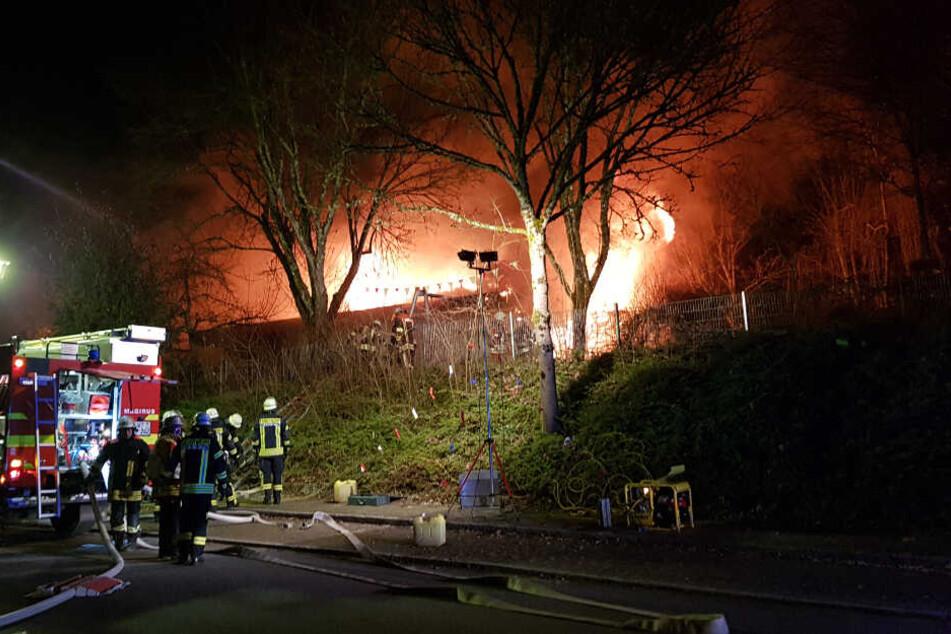 Kindergarten steht plötzlich in Flammen