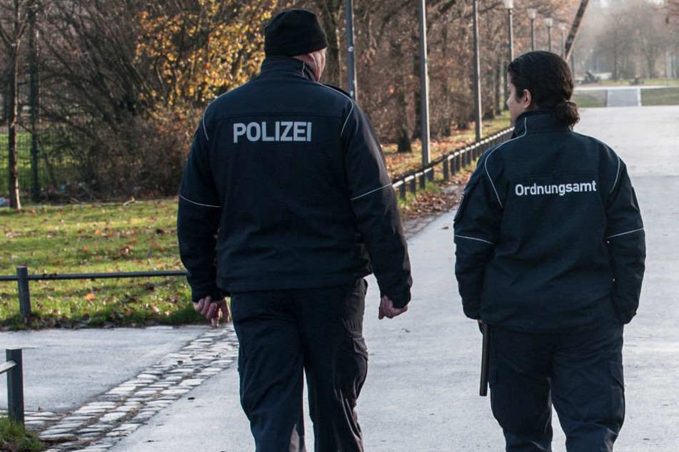 Das Berliner Ordnungsamt soll nach Willen von Neuköllns Bürgermeister Martin Hikel auch nach 22 Uhr arbeiten.