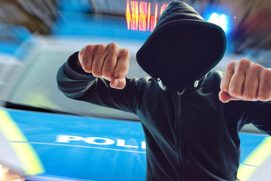 Die Polizei in Mittelhessen fahndet nach den zwei Angreifern (Symbolbild).
