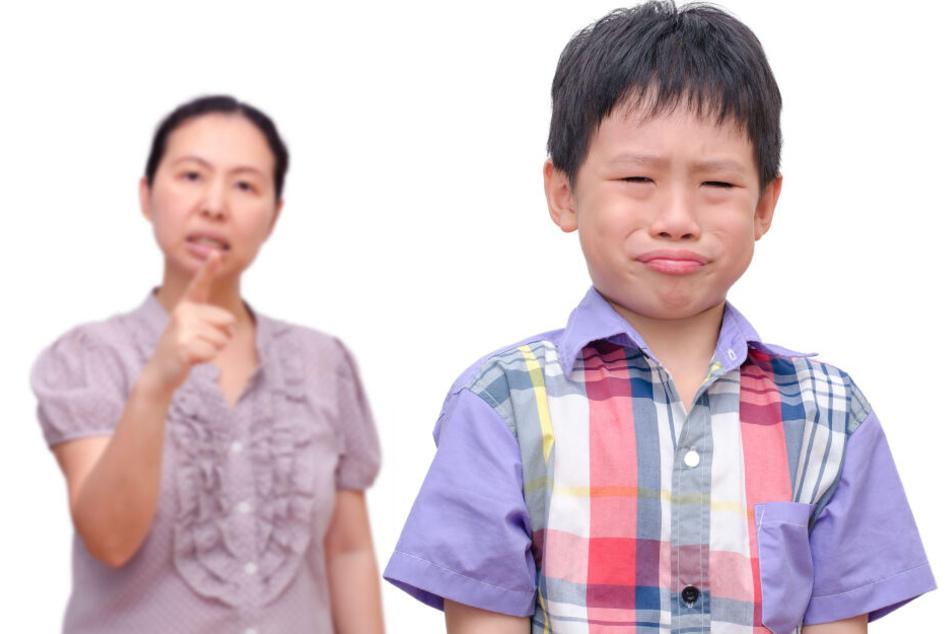 Eine Mutter (36) aus China erlitt einen Herzinfarkt, als sie versuchte ihrem Sohn seine Mathehausaufgaben zu erklären. (Symbolbild)
