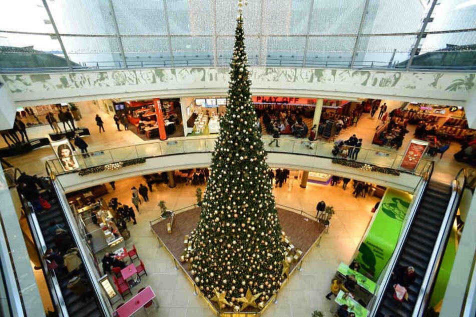 Shopping am Heiligabend ist beliebt, doch jeder sollte das Weihnachtsfest in Ruhe genießen können.