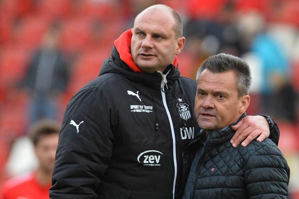 Zwickaus Sportdirektor David Wagner (l., mit Haching-Boss Manfred  Schwabl) sieht seinen FSV trotz der jüngsten schlechten Resultate nicht in der  Krise