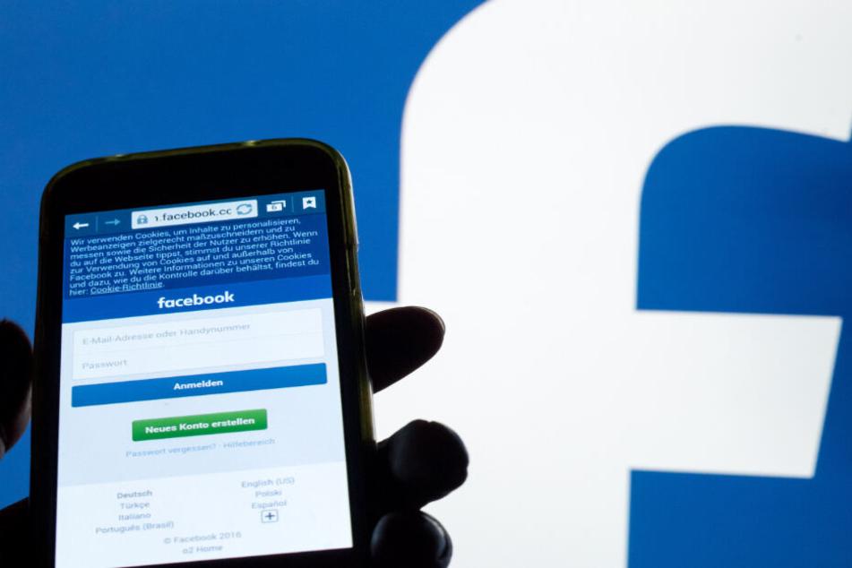 Facebook muss ein Profil trotz heftiger Aussagen über Flüchtlinge wieder freigeben. (Symbolbild)