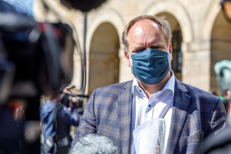 Dresden: Coronavirus in Dresden: Linke erstattet Anzeige gegen OB Dirk Hilbert