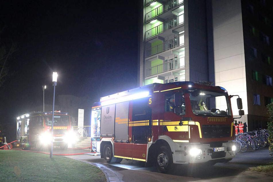 Feuer in Dresdner Hochhaus: 50 Menschen aus dem Schlaf gerissen