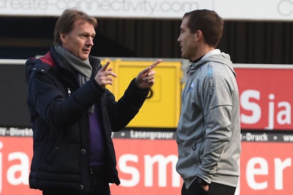 Er pflegt engen Kontakt zu den Trainern vom SCP. Im Dezember mit Interimstrainer Florian Fulland.