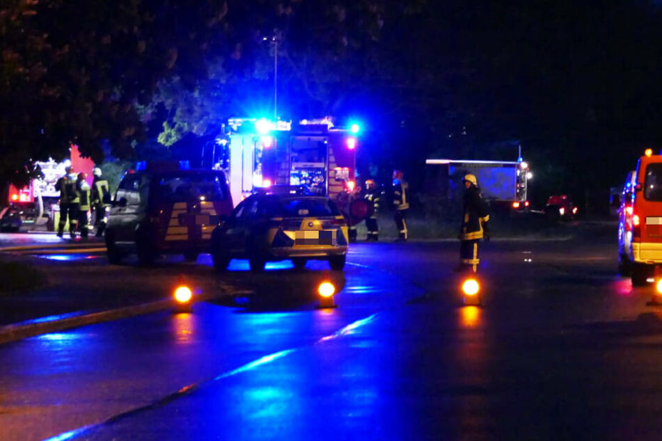 Feuerwehr und Polizei rückten am Mittwochbend in die Bahnhofstraße nach Colditz aus.