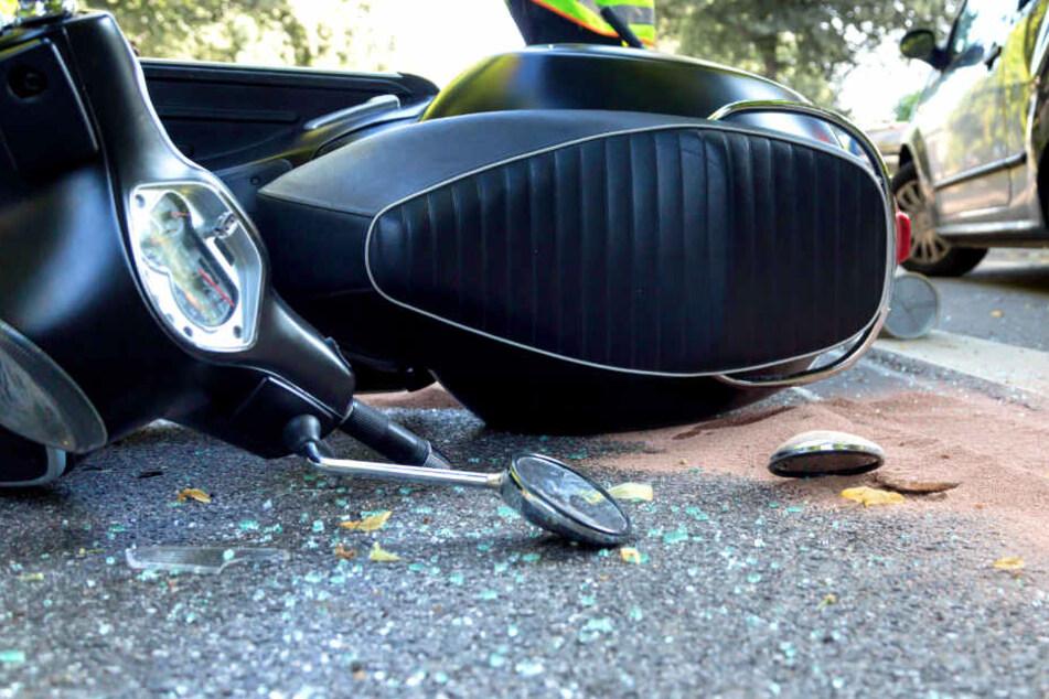 Schwerer Unfall in Reinickendorf: 17-jähriger Mofafahrer schwer verletzt!