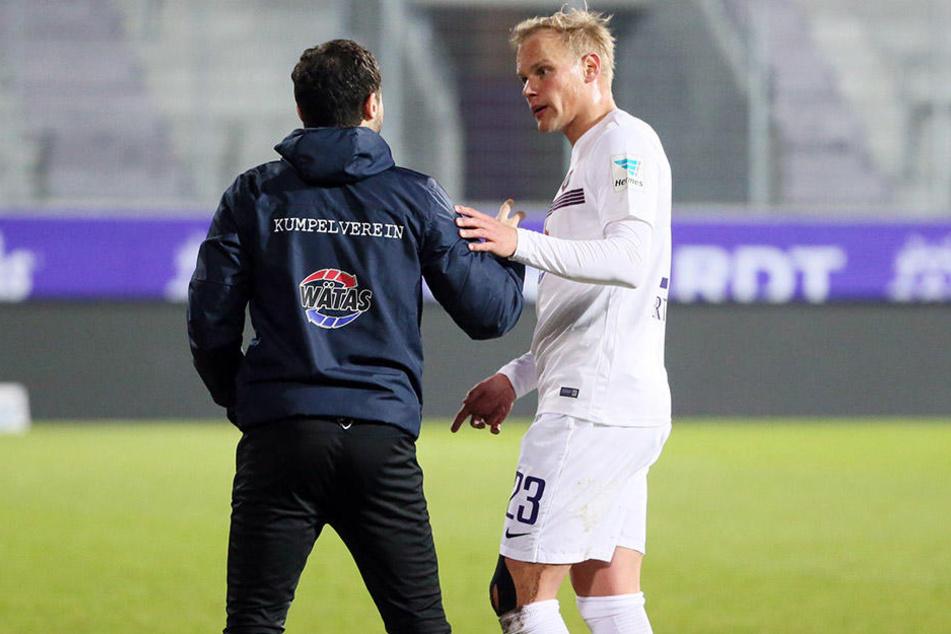 Sören Bertram (rechts) hatte sich mit dem Trainer darauf verständigt den Test gegen Brest als Härtetest zu nutzen.