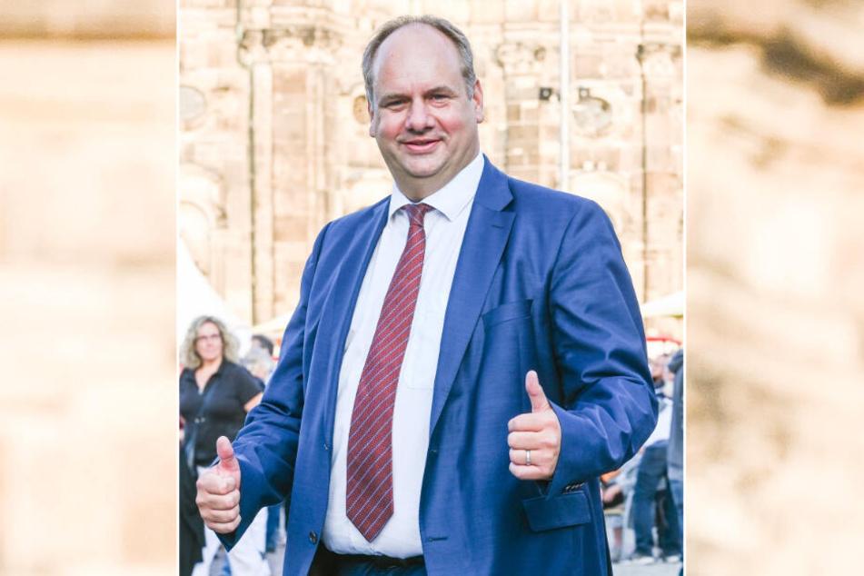 OB Dirk Hilbert (48, FDP) war vergangenes Jahr 55 Tage auf Auslands-Dienstreise. Auch 2020 wird der OB regelmäßig die Koffer packen.