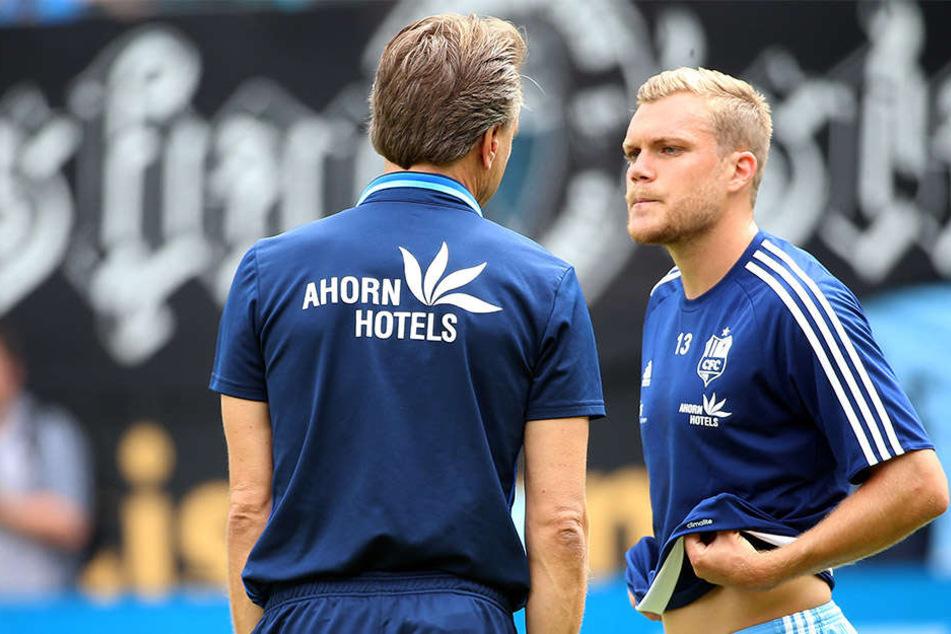 Setzt CFC-Trainer Horst Steffen (l.) in der Viererkette künftig auch auf Fabio Leutenecker?