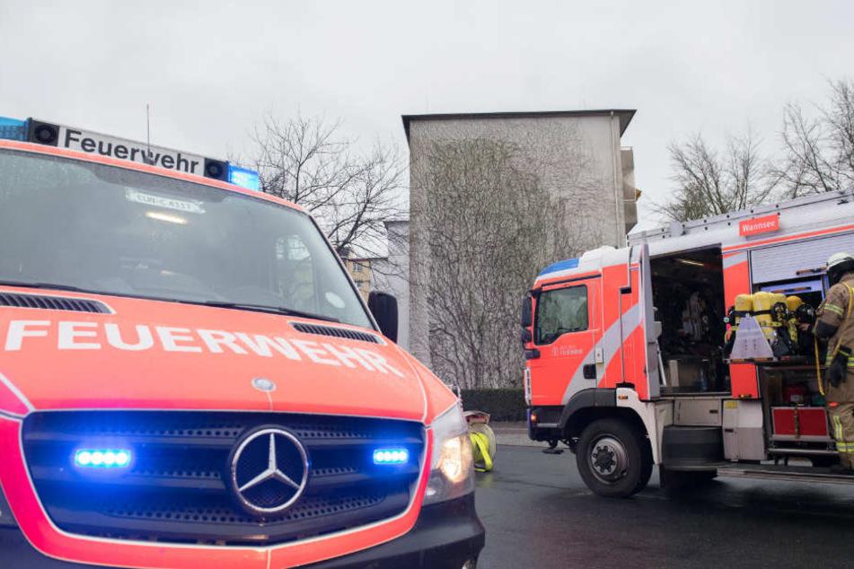 Die Feuerwehrleute konnten nur noch den Tod der älteren Dame feststellen. (Symbolfoto)