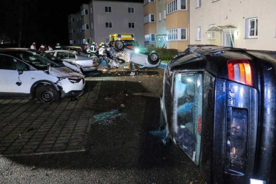 Der Parkplatz glich nach dem Unfall einem Trümmerfeld.