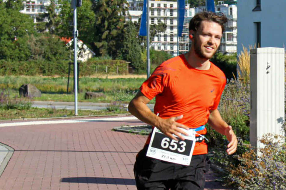 Frankfurt-Marathon: Dieser Läufer startet für guten Zweck und sucht Spender