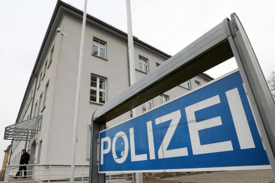 Das Polizeigebäude in Pasewalk, aus dem der tatverdächtige Stiefvater nach dem gewaltsamen Tod eines sechsjährigen Mädchens fliehen konnte