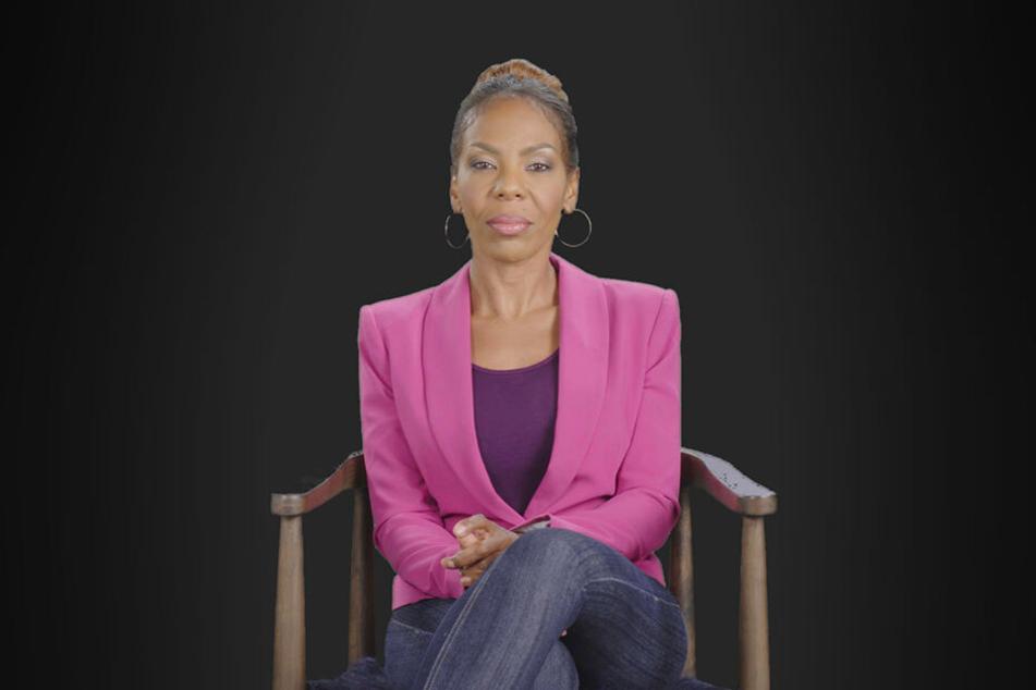 """Roberts Ex-Frau Andrea. Sie spricht wie auch andere mutmaßliche Missbrauchsopfer des Sängers in der Dokumentation """"Surviving R. Kelly""""."""