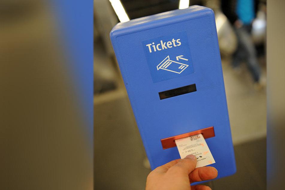 In einem gefälschten Flugblatt in Jena wird versprochen, dass der Nahverkehr der Stadt eine Woche lang kostenlos genutzt werden darf. (Symbolbild)