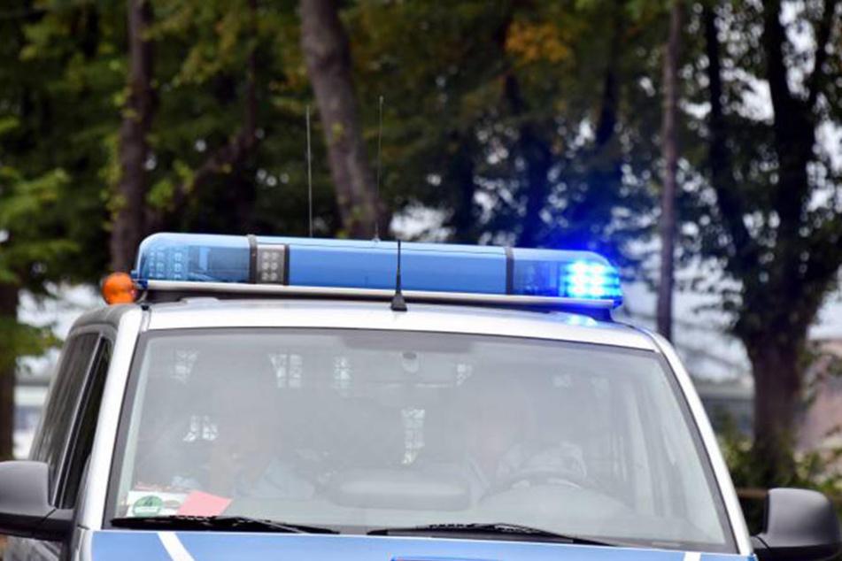 Als die Polizei eintraf, legten die drei betrunkenen Asylbewerber erst richtig los.
