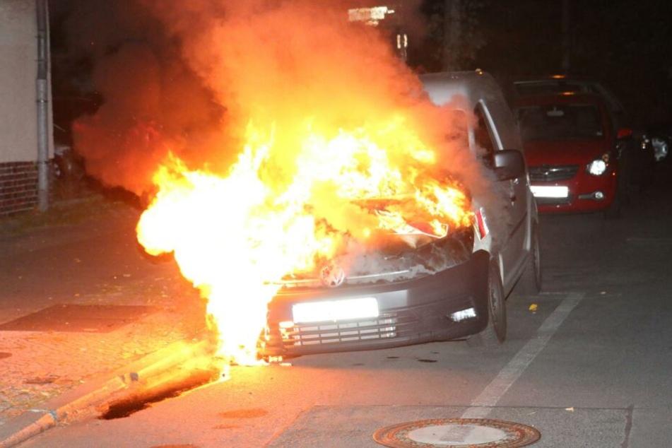 Ein Transporter ist in der Nacht zu Donnerstag in Berlin ausgebrannt.
