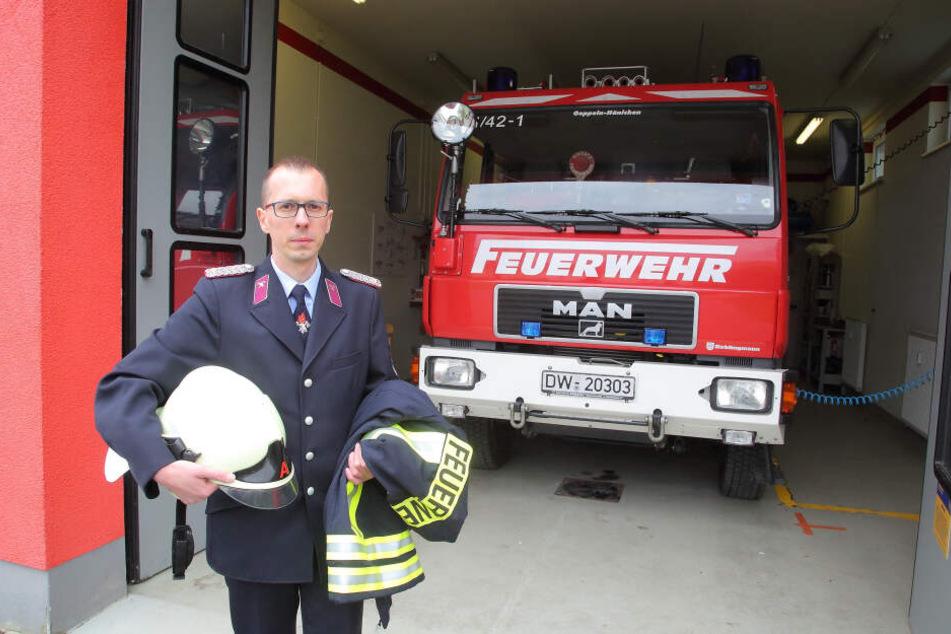 Gemeindewehrleiter Heiko Wersig (36) hat keine Leute mehr: Die Freiwillige Feuerwehr Goppeln kann nicht mehr ausrücken.