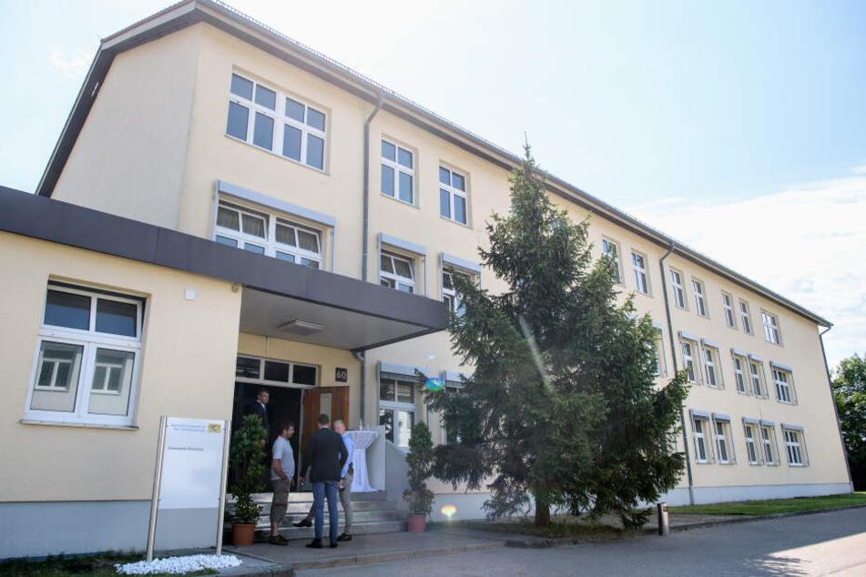 Das Landesamt für Asyl und Rückführungen im Transitzentrum Manching soll zur Beschleunigung der Asylverfahren beitragen.