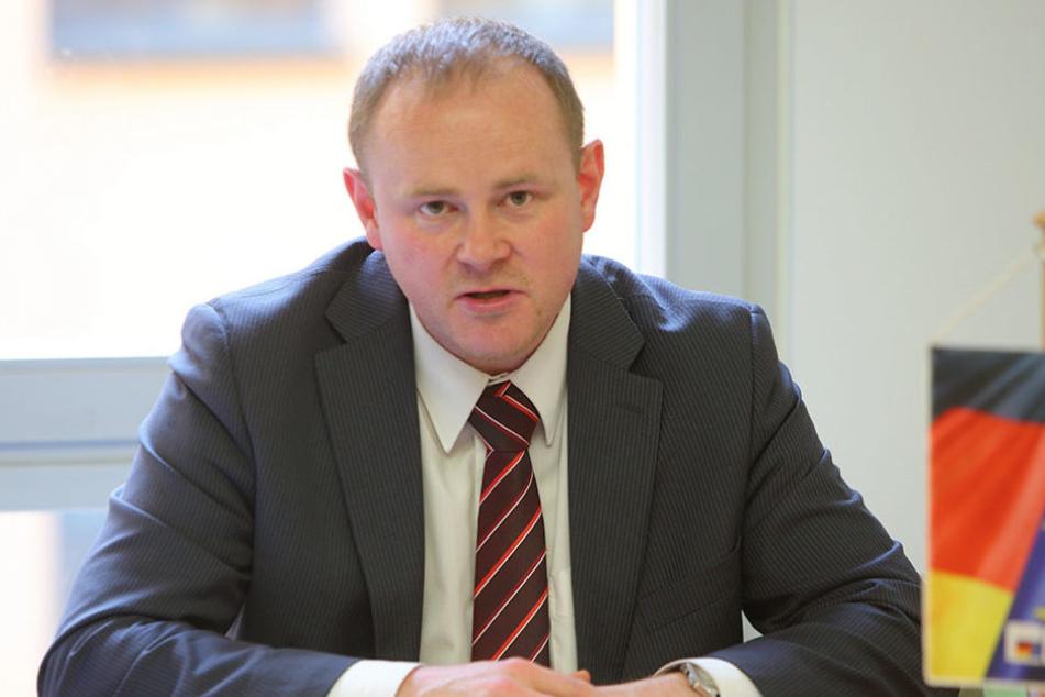 Gunter Thiele (43), verkehrspolitischer Sprecher der CDU, spricht von fatalen  Fehlentscheidungen.