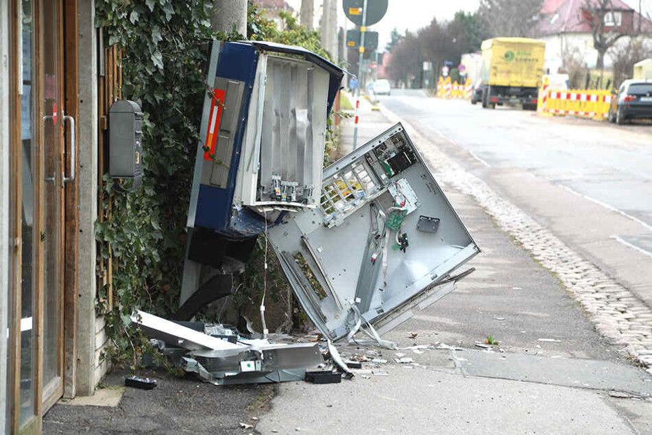 In Dresden-Omsewitz wurde ein Zigarettenautomat aufgesprengt.