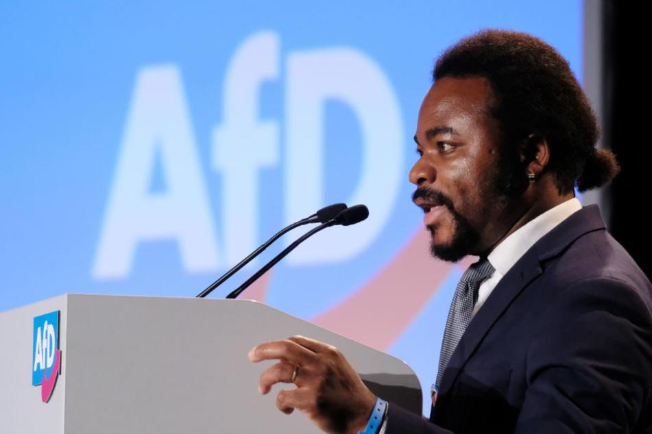AfD-Politiker Achille Demagbo (38) bei der Europawahlversammlung der Alternative für Deutschland (AfD).