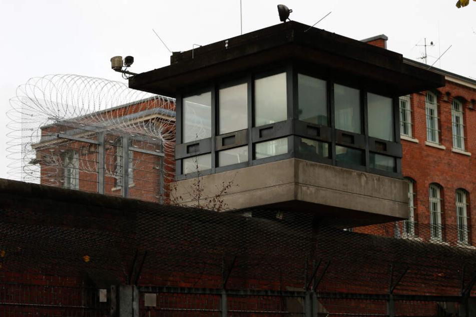 Ein Wachturm der Justizvollzugsanstalt Fuhlsbüttel in Hamburg.