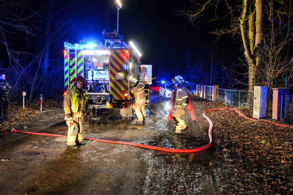 Am Mittwochabend musste die Feuerwehr wegen einer Explosion auf einem Grundstück in Teltow ausrücken.