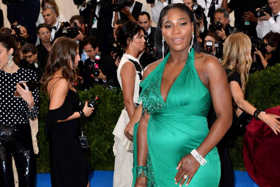 Tennisstar Serena Williams zeigt sich nackt mit Babybauch
