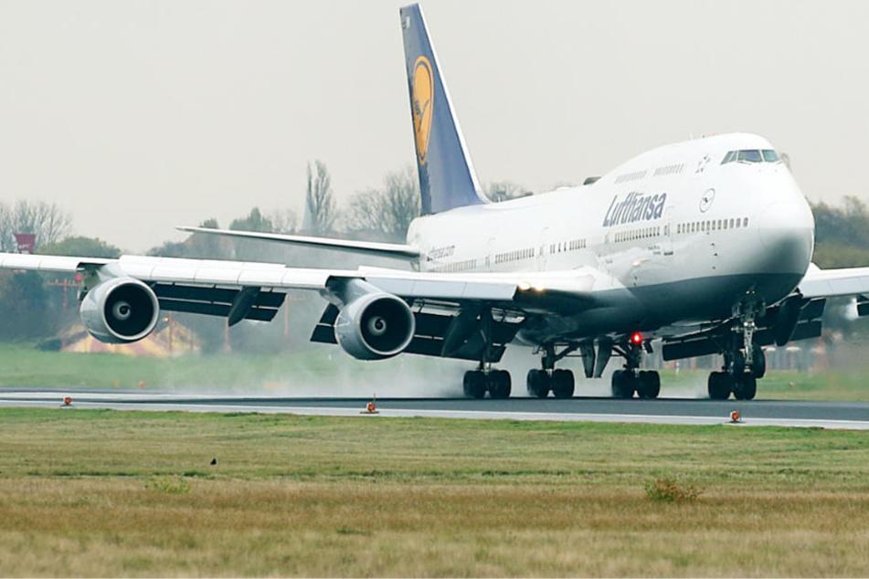 Das Flugzeug musste außerplanmäßig in Manchester landen (Symbolbild).