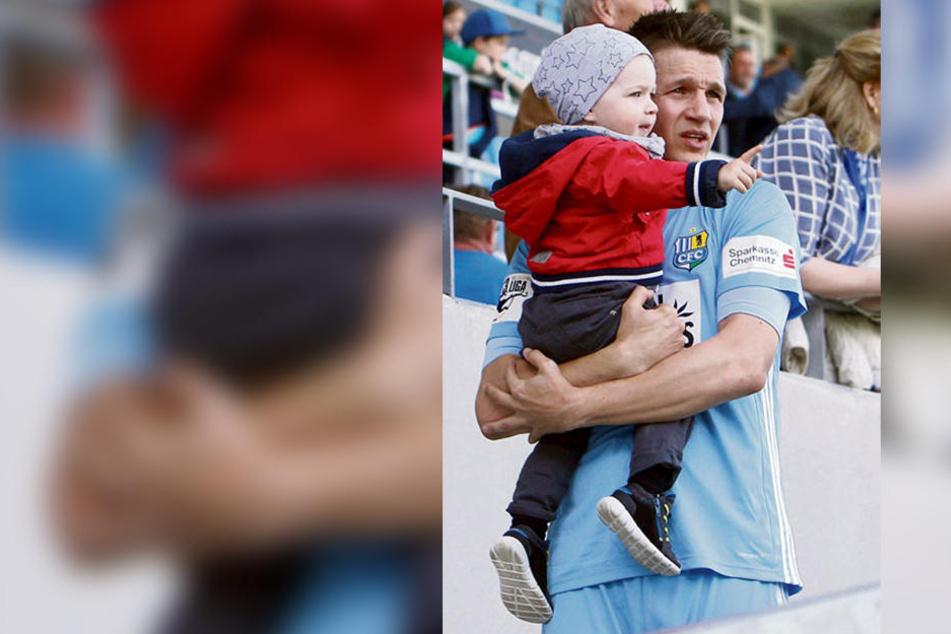 Daniel Frahn, hier mit Sohn Leo (wird im September zwei Jahre alt), hat sich nicht nur für den CFC, sondern auch für seine Familie entschieden. Ihr bleibt ein weiterer Umzug erspart.