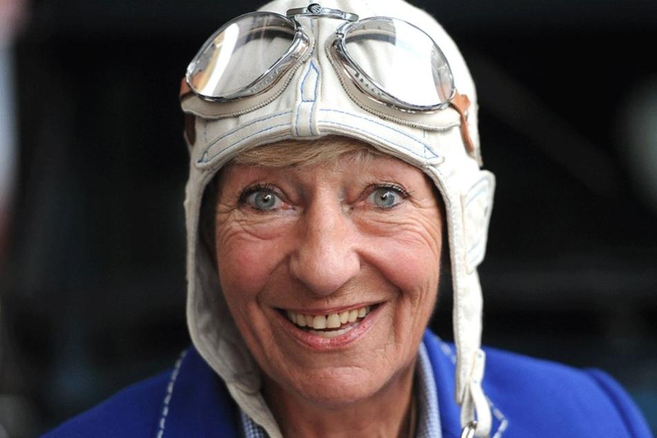 Die ehemalige Rennfahrerin Heidi Hetzer fuhr in zwei Jahren um die Welt.