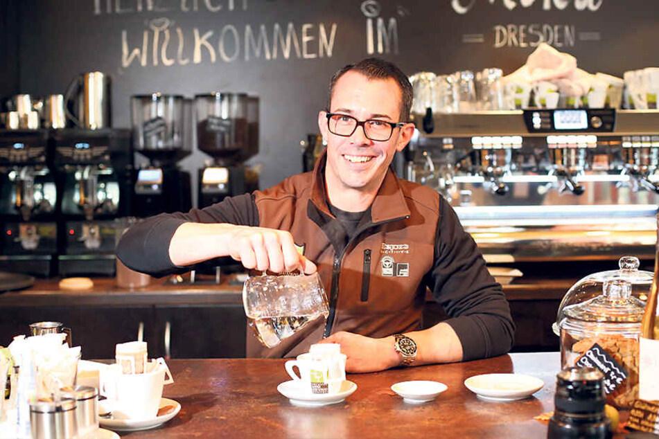 Die Dresdner Kaffee- und Kakao-Rösterei bringt die ersten 10.000 portionierten Kaffeebeutel in Cafés und Restaurants.